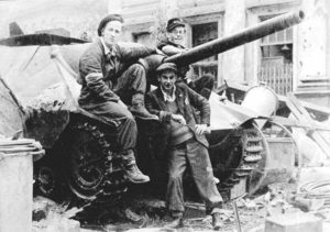 Warsaw_Uprising_by_Bukowski_-_chwat_-_210