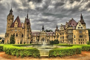 Moszna Castle, Moszna Poland. Photo credit - Anna, ARCYFOTKA, Lipiec 2014.